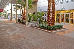 Our colleague Edwards Concrete was awarded the 2017 Gold Award for Bomanite Imprint Systems over 12,000SF for their expert installation of the Bomacron Boardwalk pattern and this unique decorative element was perfect to accentuate the beach-industrial design aesthetic at the Tanger Outlets Daytona.